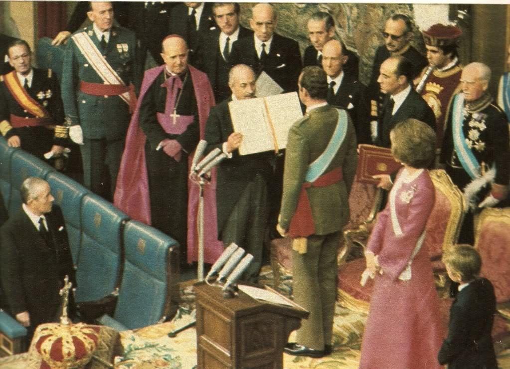 King Juan Carlos being sworn in as King of Spain photo: EyeOnSpain.com