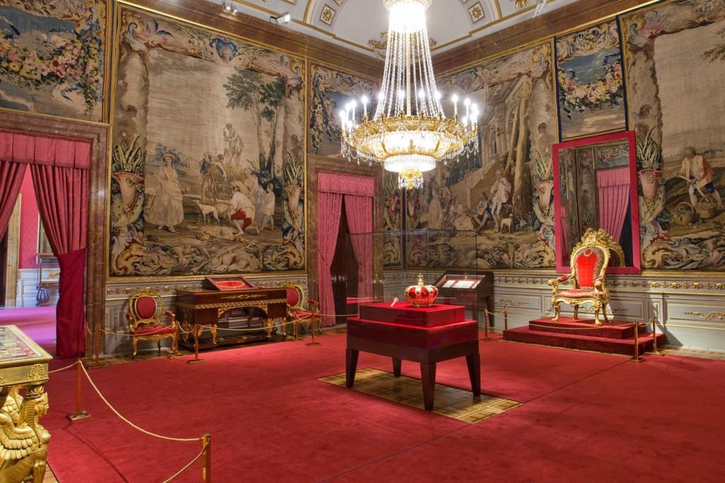The Crown Room.  source: Patrimonio Nacional